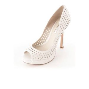 BCBG Sherrie US 6.5  White Peep Toe Platform Heel